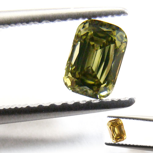 View 0.52 ct. Emerald Cut Fancy g. y. GREEN (Chameleon)