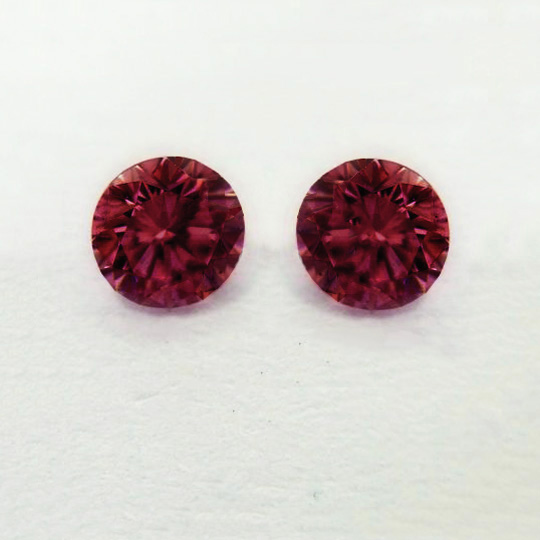 View 0.27 ct. Round Fancy Purplish RED (PAIR)