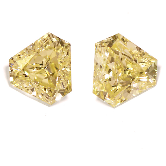 View 1.58 ct. Triangular Fancy Light Yellow (Pair)