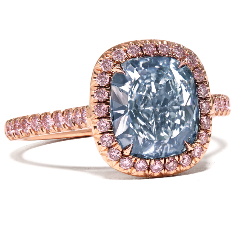 View 2.22 ct. Cushion Fancy Blue, VVS2